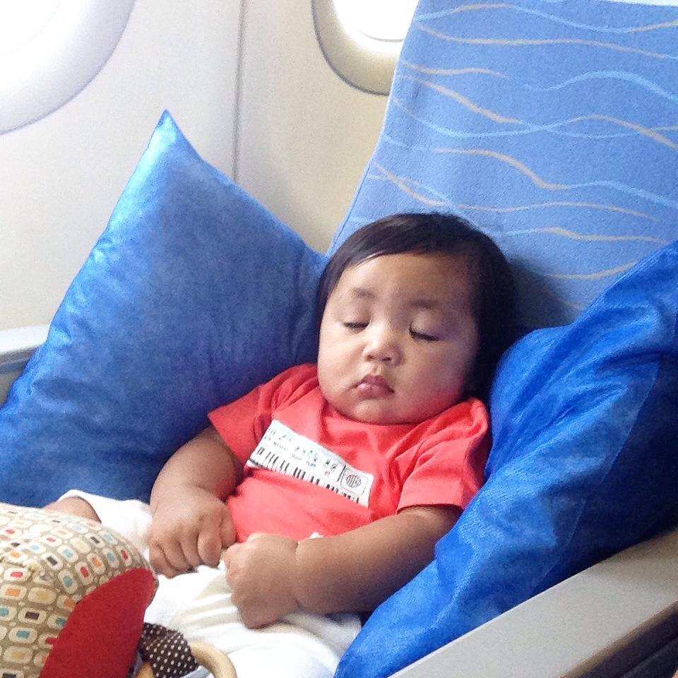 caleb at 5 months old, macau to cebu flight