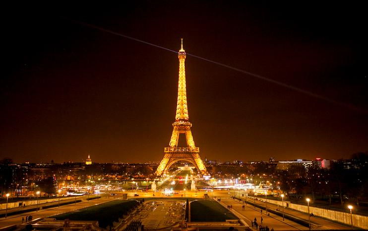 eiffel at night itinerary