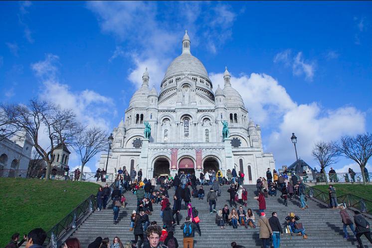 sacre coer tourist attraction paris.jpg