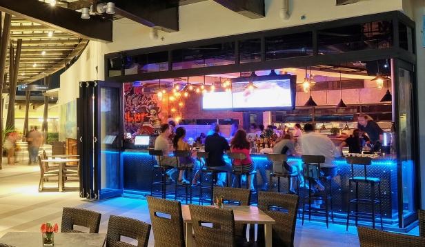The-Social-Outdoor-Bar-Area-1632x950