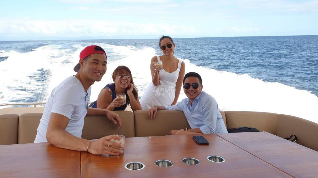 Cebu Luxury Yacht Charter | Postcardpretty.com